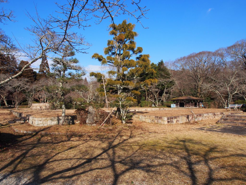 【旧柳生藩陣屋跡】旧柳生藩の「藩庁」跡は静かな広場に