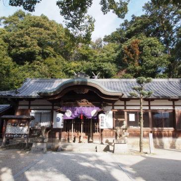 【杵築神社】富雄川沿いの歴史ある神社は地域の深い崇敬を受ける