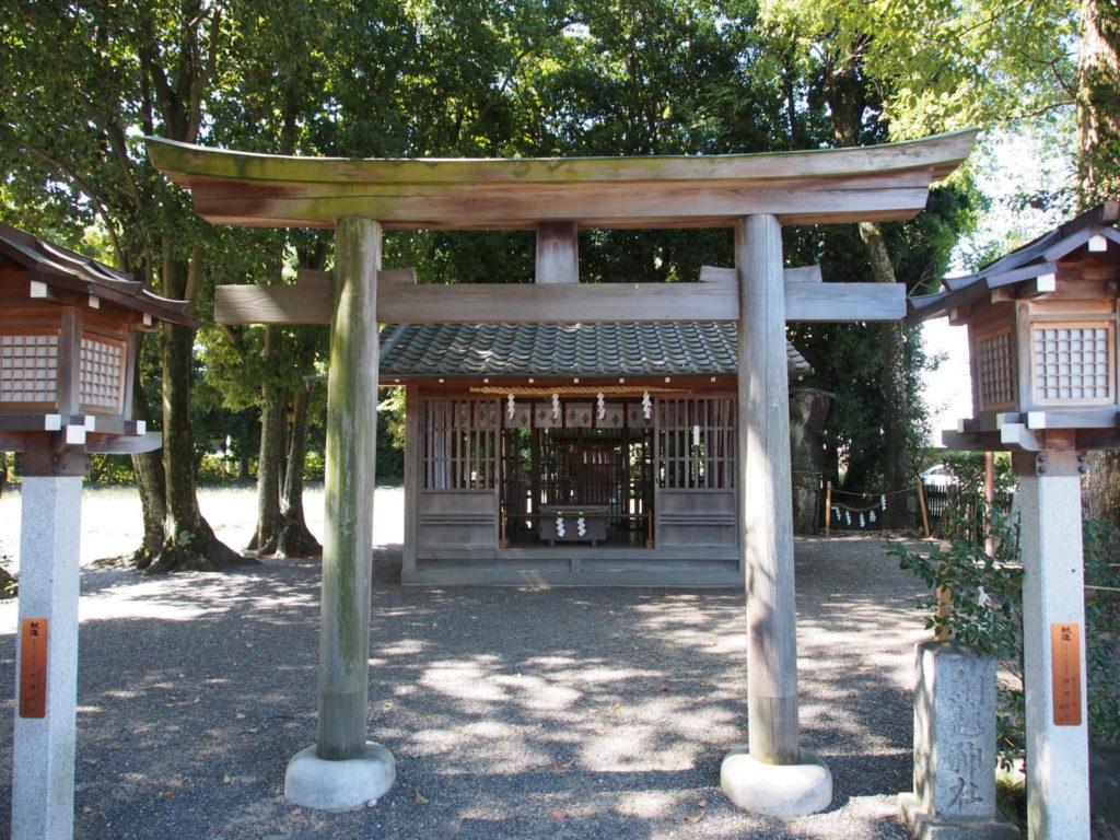 大神神社摂社「綱越神社」